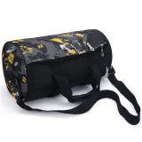 La forma fisica esterna di ginnastica dei bagagli di svago di corsa mette in mostra il sacchetto di Duffle