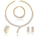 L'oro della Doubai 18K 24K ha placcato i monili di lusso del partito del diamante degli insiemi dei monili