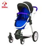 Baby-Spaziergänger mit Rahmen und zwei in einem