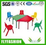 Los niños con altura ajustable de plástico de muebles para niños Silla de escritorio