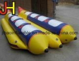 Le bateau banane gonflable à double rangée de pagaie