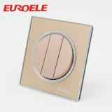 英国工業規格86*86mmの金カラー250Vアクリルの壁スイッチ