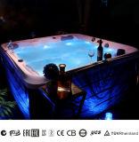 競争価格の6人のための屋外の鉱泉のプール