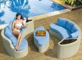 Runde Form-Schwimmen-Sofa-gesetztes im Freiensofa-gesetzte Rattan-Möbel