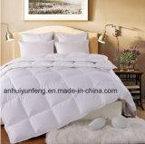 La piuma bianca dell'oca del Comforter di buona qualità giù e giù imbottisce