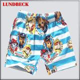 Shorts da praia dos miúdos da forma para o desgaste do verão