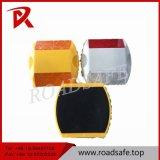 プラスチック道のスタッド、黄色い二重道のスタッド