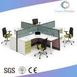 Stazione di lavoro moderna dell'ufficio della traversa della mobilia con il divisorio