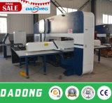 Máquina de perfuração da torreta do CNC de Dadong para o processamento solar do calefator de água