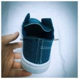 Материал джинсыов обуви детей с подошвой конструкции PVC