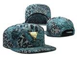 Kundenspezifische PolybaumwolleEmbriodery spezieller Metallschutzkappen-Hut