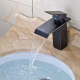 Bassin de salle de bains de bassin de corps rond de Flg/robinet en laiton de mélangeur/cascade à écriture ligne par ligne