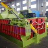 Sucatas de metal que recicl a máquina da prensa (bala do turn-out)