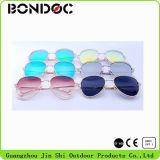 Lunettes de soleil neuves d'été de lunettes de soleil de créateur de femmes en métal