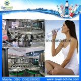 Haustier-Flaschen-trinkende Wasserpflanze