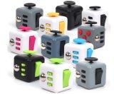 2017 Nova chegada em brinquedos de plástico Fidget 3D Magic Cube Puzzle