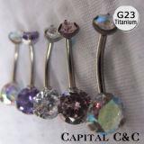 G23 de Ring van de Buik van het Titanium met de 3 Met een riek omgewoelde Gem van CZ
