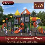 Speelplaats van de School van Ce de Weelderige Openlucht Plastic (x1503-4)