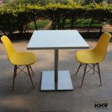 Kkrは正方形デザイン樹脂の石のレストラン表をカスタマイズした
