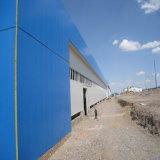 La lumière de l'acier de jauge de poids structurel Hangar de l'entrepôt