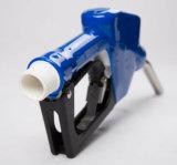 Berufsfertigung-füllender Plastikharnstoff Adblue, das Adblue Kraftstoffdüse zuführt