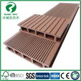 La Chine trous carrés De plein air WPC Flooring