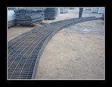 305/30/100 Sg-heiße eingetauchte Galvanisierung-Stahlvergitterung