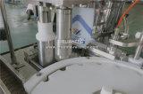 Petróleo esencial que llena tapando la máquina