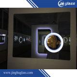 LEDの構成ミラーを拡大するホテル