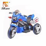 Passeio chinês do bebê na motocicleta das crianças na venda