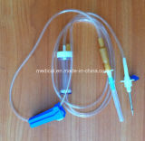 De medische Infusie van de Transfusie van de Levering Beschikbare IV die met Slot Luer wordt geplaatst