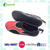 ナイロン上部デザインおよびTPRの足底、女性の水の靴