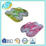 Sandali floreali delle donne di caduta di vibrazione