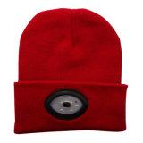 Chapeau tricoté par DEL en gros de lampe-torche rechargeable de chapeau de la coutume 6