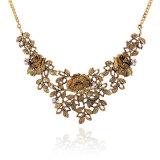 Установленный диамант выдалбливает вне цветок высекая ретро цепь Necklet свитера ожерелья