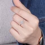 Sei poli che impostano l'anello cubico dell'argento sterlina di Zirconia