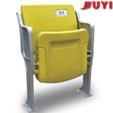 Im FreienRatan mit Armlehne Belüftung-Rohrbleacher-Sitze verwendeten Plastikfalz-Stühlen