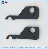 Chinesische hohe Präzision, die mit CNC-maschinell bearbeitenteilen maschinell bearbeitet