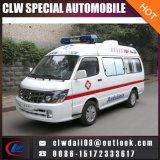 Ambulanza di trasporto del paziente ricoverato con attrezzature mediche semplici