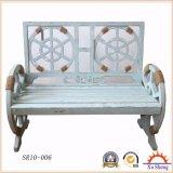 裏庭の木のベンチのリサイクルされた純木の居間の家具が付いている屋外公園の木のベンチ