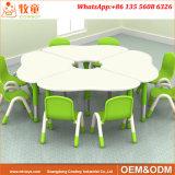 Les services de garde meubles pour enfants, chaises et table de jeu pour enfants Saling