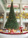 Emploi extérieur artificiel d'arbre de Noël