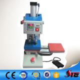 압축 공기를 넣은 두 배는 기계를 인쇄하는 로고를 둔다