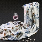 Flower no lenço Dom Moda branco