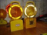 太陽か電池式LEDの点滅の警告のバリケードライト