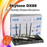 Dx88 véritable le professionnel sans fil tenu dans la main duel de microphone de diversité