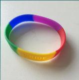 虹によってカラーDebossedのセグメント化されるロゴシリコーンのブレスレット