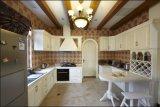 Neuer Entwurfs-hoher glatter Hauptmöbel-Küche-Schrank Yb1710578