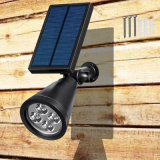 Lumières murales solaires / feux au sol, angle 180 ° réglable et étanche Éclairage extérieur solaire à 4 LED, projecteurs, éclairage de sécurité, feux de route