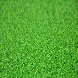 A grama verde sintética de colocação do Gfn, Golf o relvado artificial